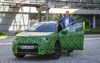 Video: CEO Michael Lohscheller Shows New Opel Mokka
