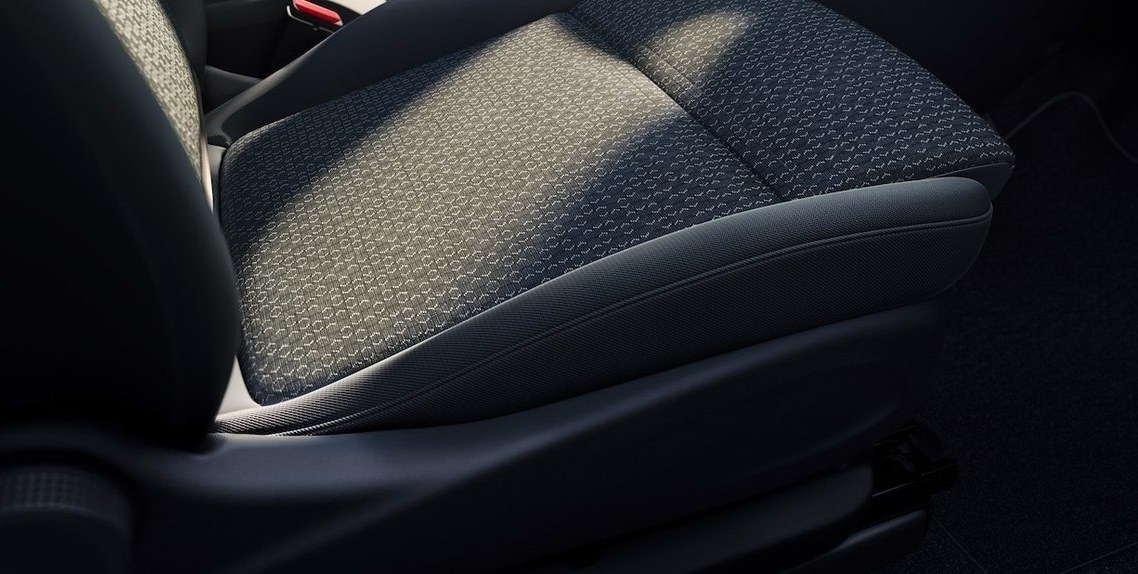 AGR SEAL OF QUALITY CERTIFIED ERGONOMIC SEATS